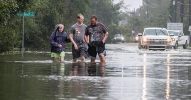 Prevé gobernador de Florida 'muchos' daños por tormenta 'Sally'