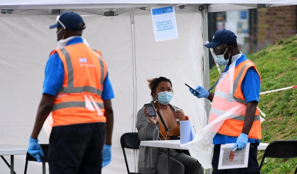 Endurece Reino Unido medidas contra COVID-19 por repunte de casos