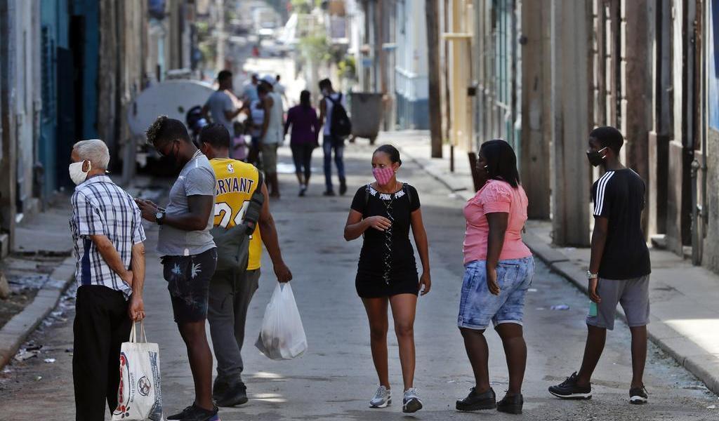 Pese a duras medidas en La Habana, contagios de COVID-19 no bajan en Cuba