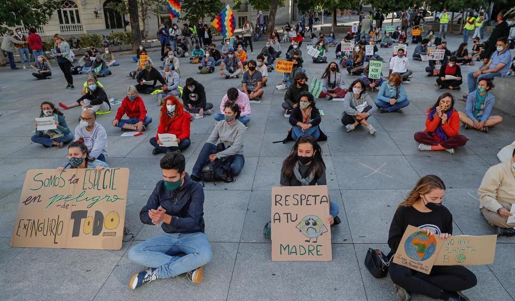 Exigen jóvenes justicia climática en protestas condicionadas por COVID-19