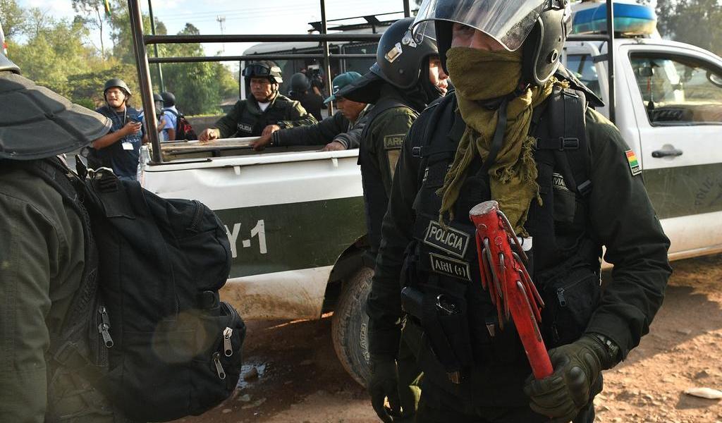 Autobús cae a un barranco en Bolivia dejando 19 fallecidos