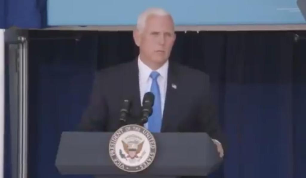 Mike Pence corteja voto latino en Orlando al grito 'Viva Cuba Libre'