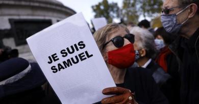 Homenajeará Francia a profesor decapitado con una ceremonia en la Sorbona