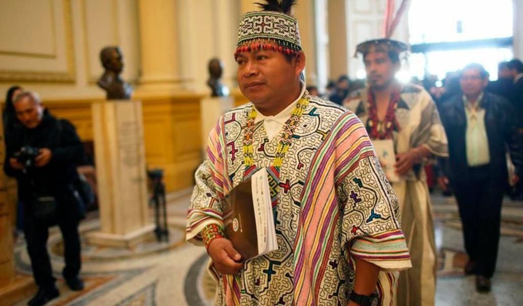 Indígenas peruanos declaran 'non gratos' a legisladores tras Acuerdo de Escazú