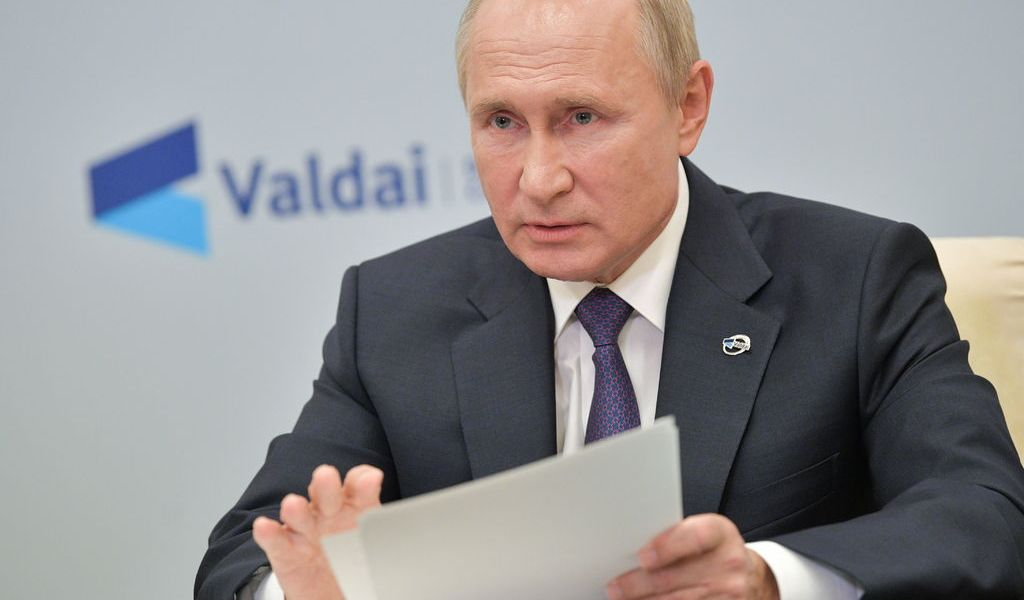 Descarta Putin alianza militar Rusia-China
