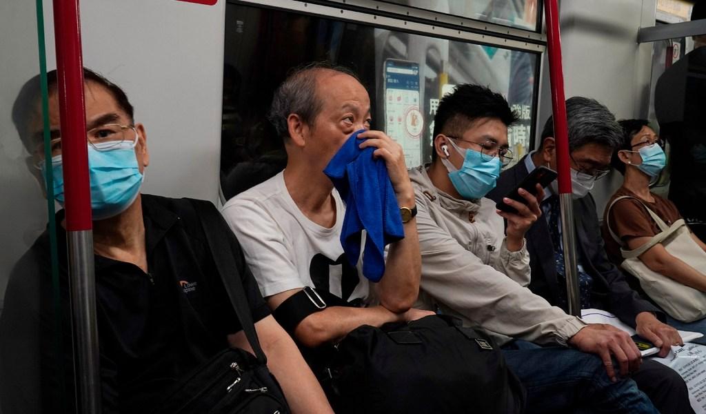 Hong Kong exime de cuarentena a quienes lleguen de China