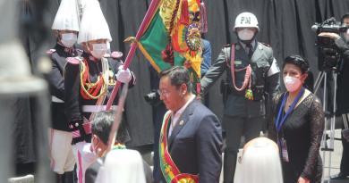 Protestan opositores durante la investidura de Luis Arce en Bolivia