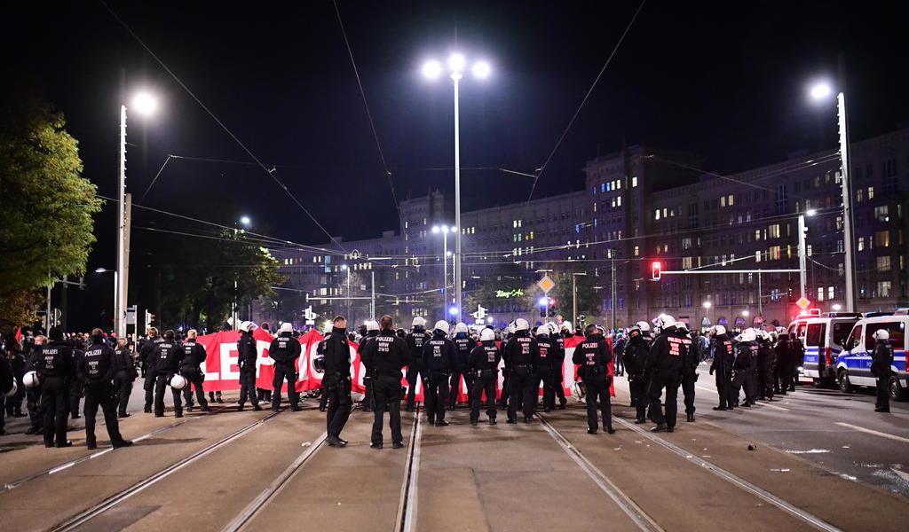 Protestan 20 mil personas contra las restricciones por COVID-19 en Alemania