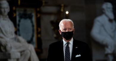 Advierte Biden de un 'invierno muy oscuro' en EUA ante un repunte de COVID-19