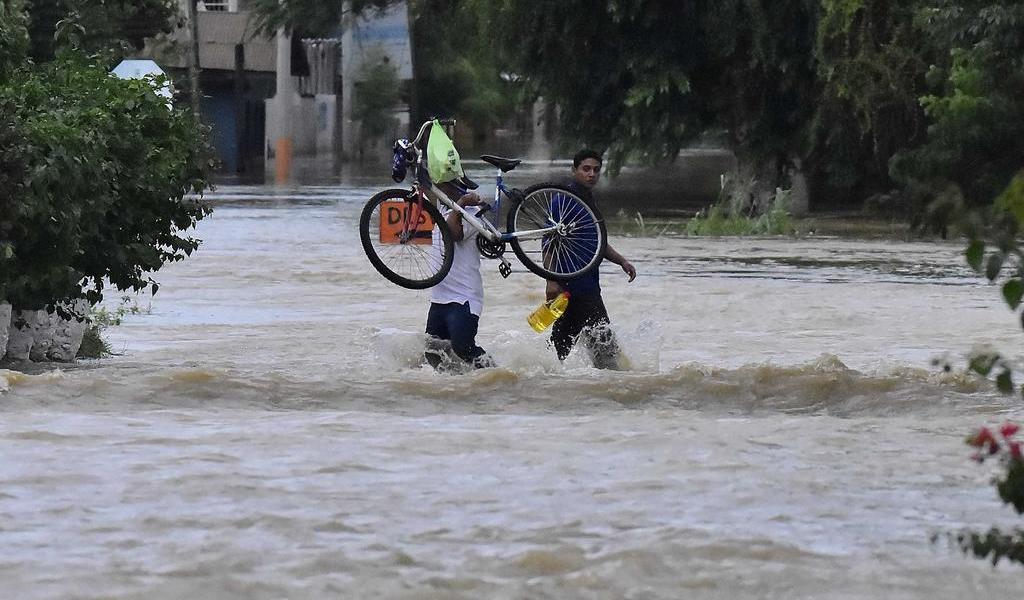 Llueve en todo Honduras por 'Iota' que entrará por el oriente del país