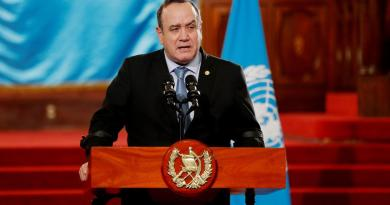 Presidente de Guatemala apuesta por repetir el presupuesto de 2020 para contener la crisis