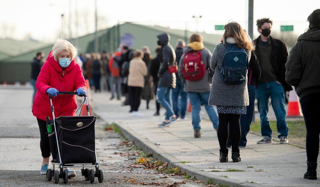 Reino Unido aprobará vacunar a partir de la próxima semana
