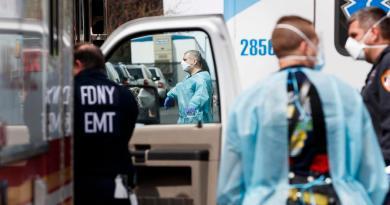 Refuerza Nueva York sus hospitales; avisa que 'COVID-19 es el Grinch'