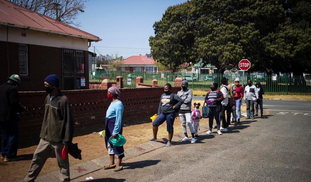 Impone Sudáfrica restricciones para tratar de frenar segunda ola