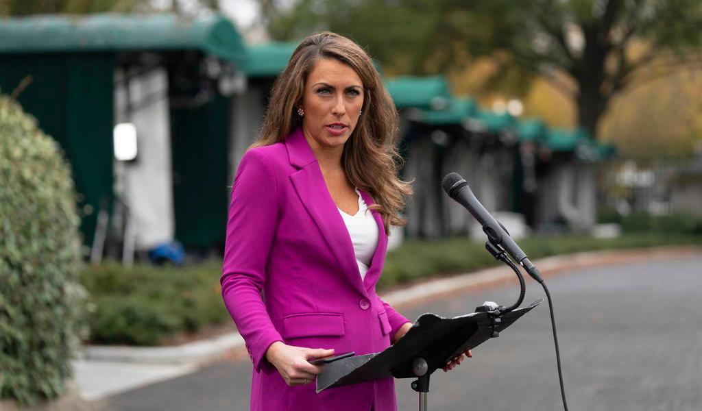 Renuncia a su puesto la directora de comunicación de Trump