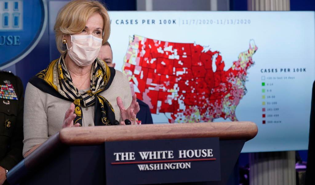 A pesar de sus advertencias, Deborah Birx viajó durante la pandemia