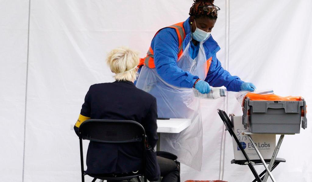 Alcanza Reino Unido su pico de contagios en un día