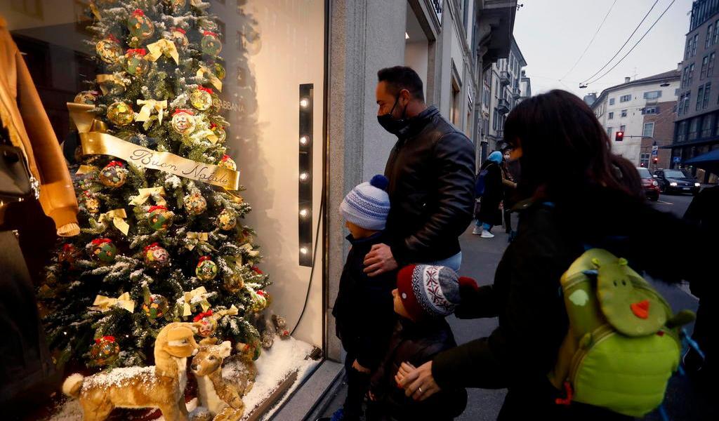Alcanza Italia las 70 mil muertes por COVID-19 antes del cierre de Navidad