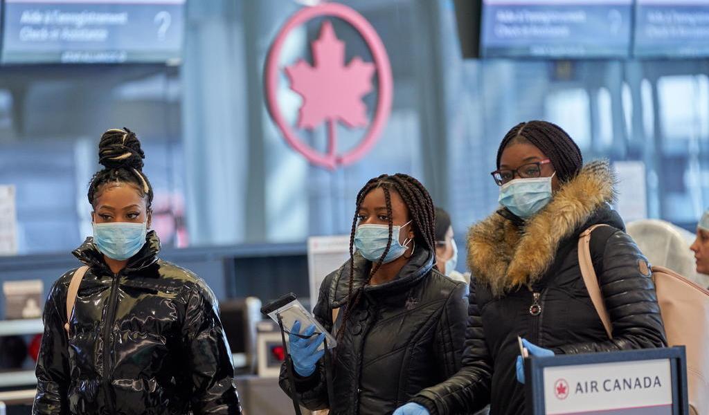 Canadá mantendrá suspensión de vuelos con Reino Unido hasta el 6 de enero
