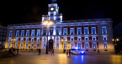 Repunte de casos COVID endurece movilidad en regiones de España