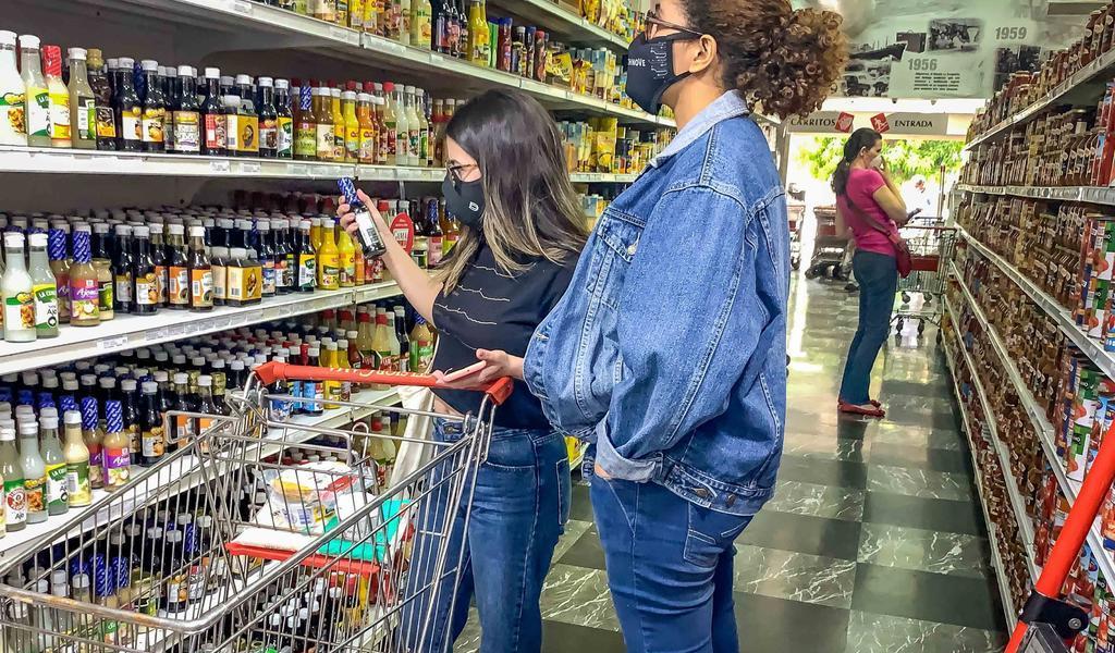 Afirma oposición que Venezuela cerró 2020 con una inflación de 3,713 %