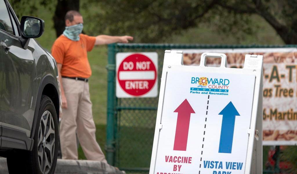 Registra Florida casi 18 mil casos nuevos; crea más centros de vacunación
