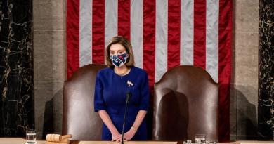 Nancy Pelosi anuncia que legisladores reanudarán sesión en Capitolio