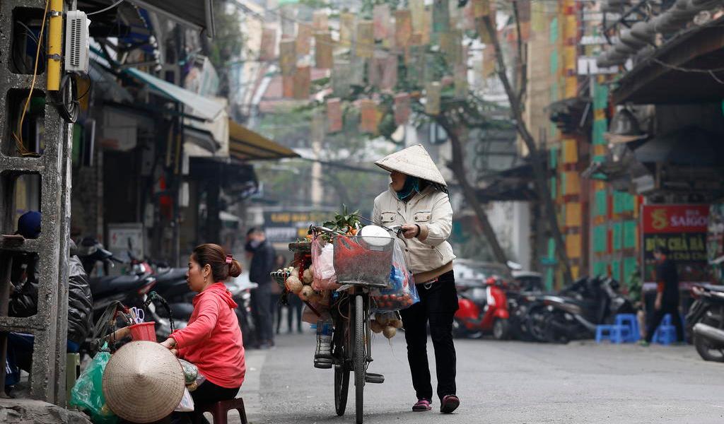Limitará Vietnam vuelos de llegada ante nuevas variantes de COVID