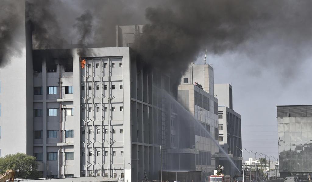 Se incendia edificio del mayor fabricante de vacunas contra el COVID