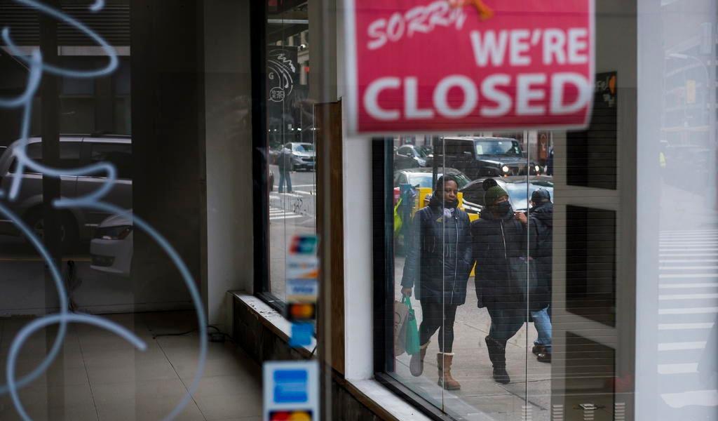 Caen solicitudes de ayuda por desempleo en EUA