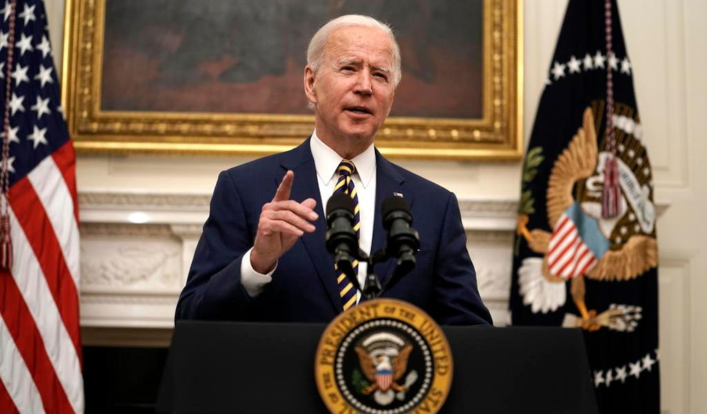 Gobierno de Biden critica a China por sancionar al equipo de Trump