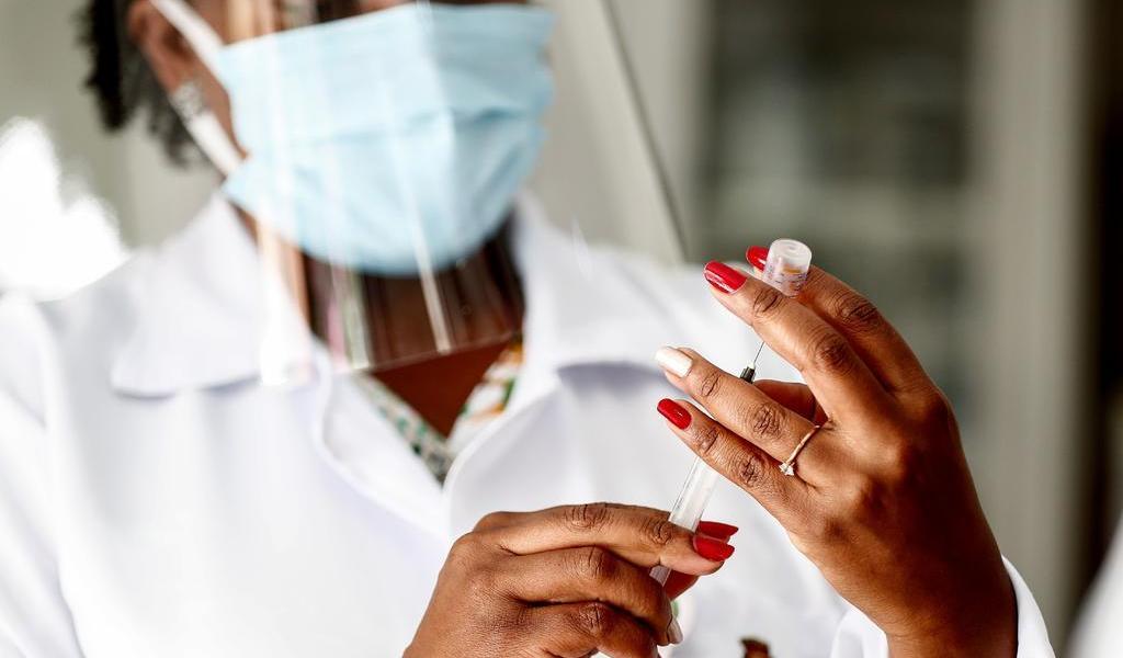 Aclara AstraZeneca que su vacuna aún no está en venta para el sector privado