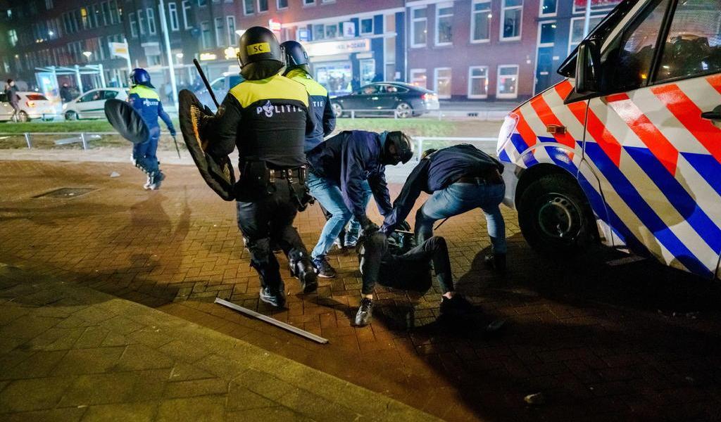 Disturbios en Países Bajos mantienen en vilo al Gobierno