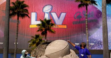 Hombre es arrestado por volar un dron en área restringida del Super Bowl LV