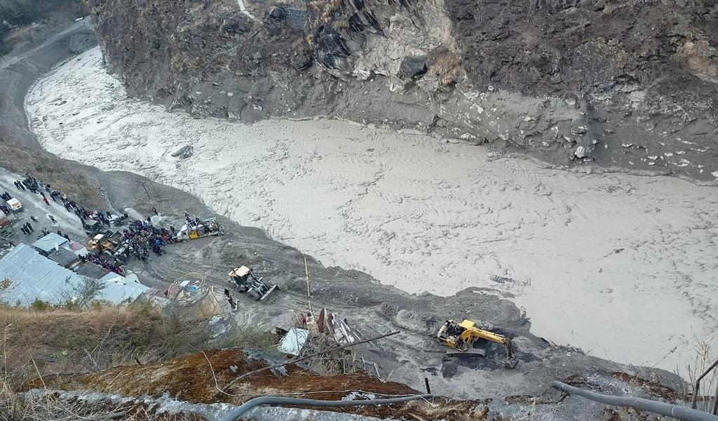 Avalancha en norte de la India deja al menos nueve muertos y 150 desaparecidos