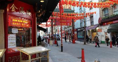 Recibe barrio chino de Londres al calendario lunar del buey con negocios cerrados