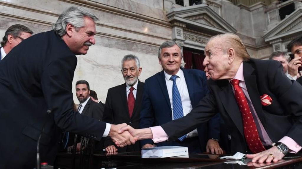 Decreta Argentina tres días de duelo por fallecimiento del expresidente Carlos Menem