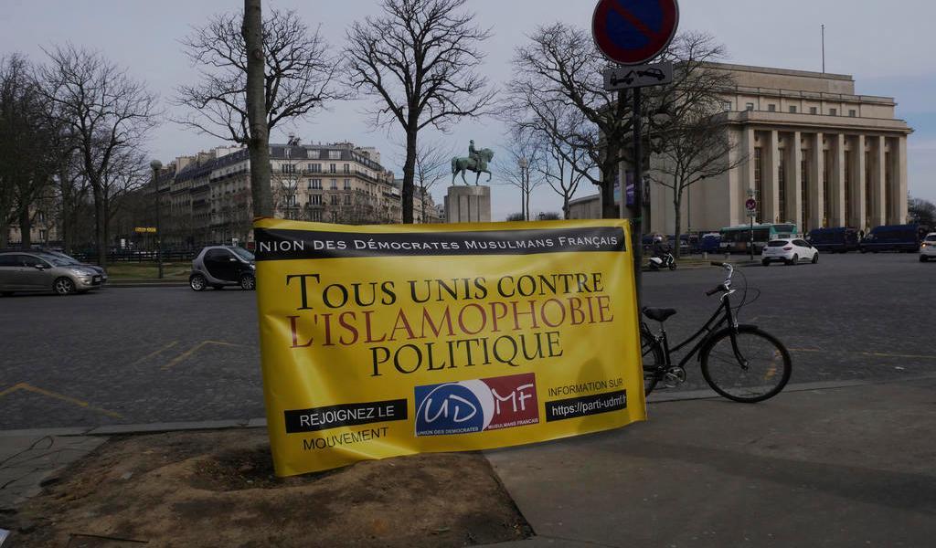 Ley contra extremismo islámico en Francia preocupa a musulmanes