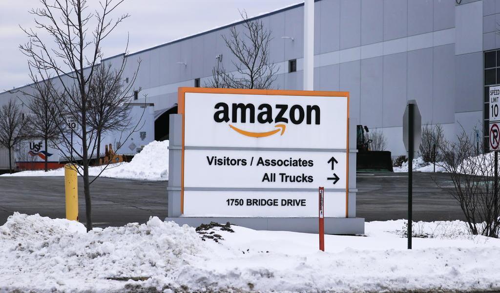 Demanda Nueva York a Amazon por desproteger a trabajadores en la pandemia