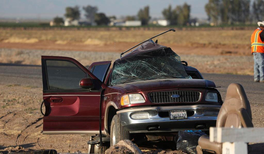 Migrantes de accidente en California entraron a EUA por hueco en valla fronteriza