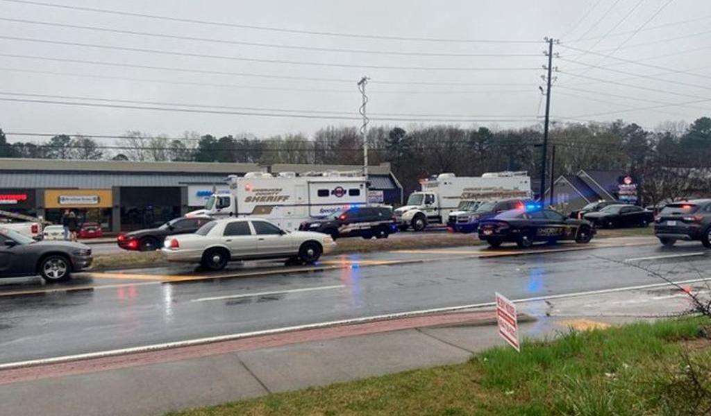 Mueren al menos 7 personas en tiroteos en salas de masaje de Atlanta