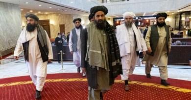 Talibán advierte a EUA de seguir en Afganistán