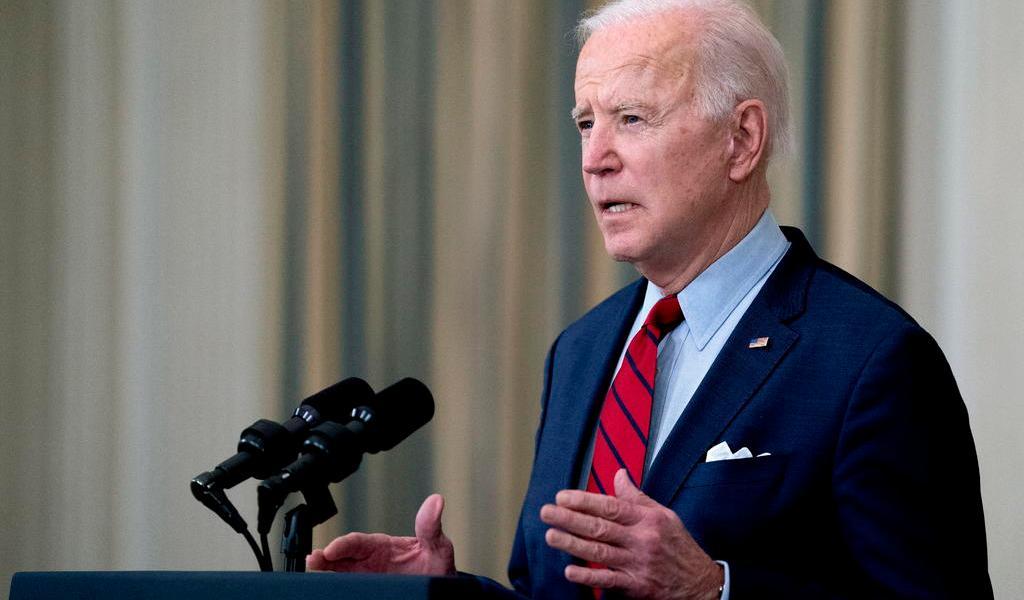 Pide Biden prohibir armas de asalto en EUA tras tiroteo de Colorado