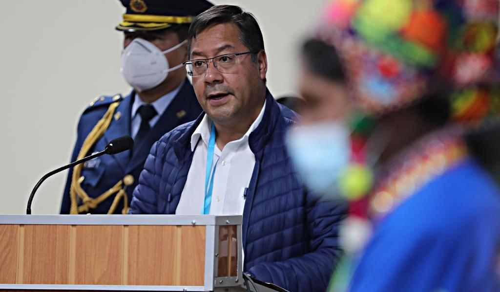 Arce viaja de Bolivia a México para 'profundizar lazos históricos'
