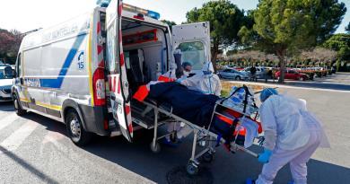 Presión hospitalaria sigue agravándose en Francia