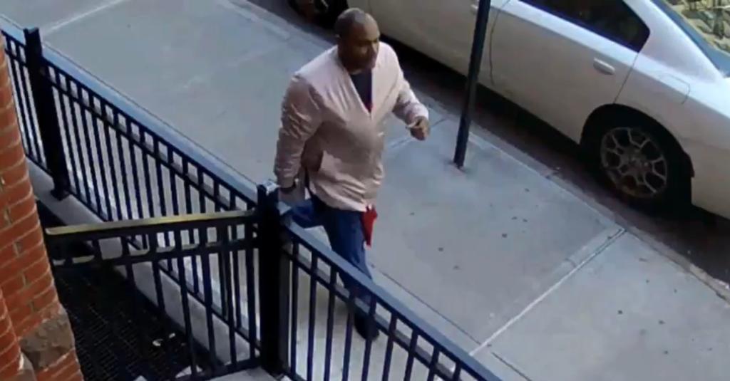 Revelan que hombre que atacó a asiática en Nueva York mató a su madre en 2002