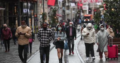 Registra Turquía récord de contagios; 75 % de ellos con mutación británica