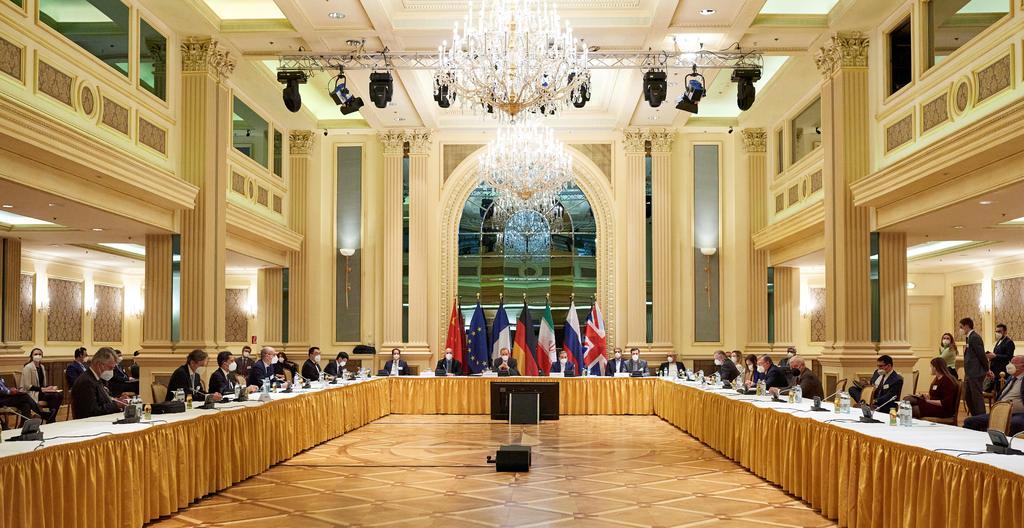 Advierte Irán que no negociará otros asuntos al margen del acuerdo nuclear