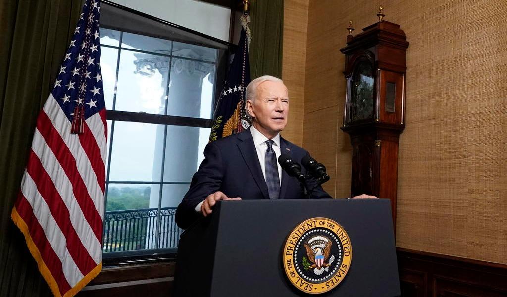 Biden sanciona a Rusia y expulsa a diez diplomáticos rusos de EUA