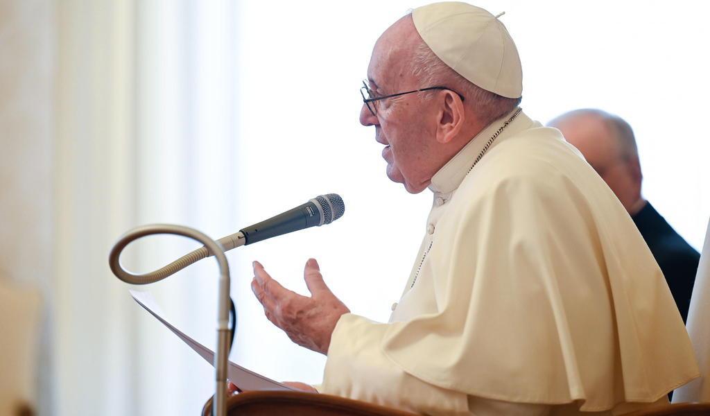 Papa Francisco pide a Cumbre Iberoamericana una vacunación extensiva